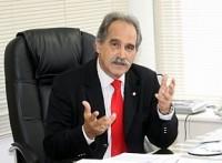 Presidente do CFM quer que médicos de planos de saúde cobrem por consulta
