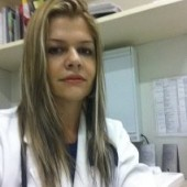 Delegada do Sinmed-MG em Uberlândia, Dra. Sandra Márcia Faria, recebe Comenda  como médica  de destaque 2012
