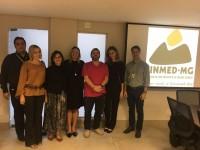 Encontro entre as assessorias de comunicação do Sinmed-MG e Associação Médica reforça parceria entre as entidades