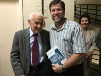 """Sinmed-MG prestigia lançamento do livro """"Contribuições à Cirurgia"""", do professor Alcino Lázaro"""