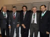 Presidente do Sinmed-MG, Cristiano da Matta Machado, recebe a Medalha do Centenário da Faculdade de Medicina da UFMG