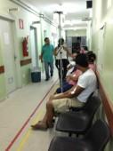 Sem hospitais, pacientes fazem via-sacra rumo a atendimento