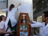 Médicos mantém mobilização da categoria e fazem nova assembleia dia 13/08