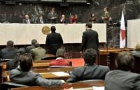 Plenário aprova em 2° turno PL que cria carreiras de médico da SES